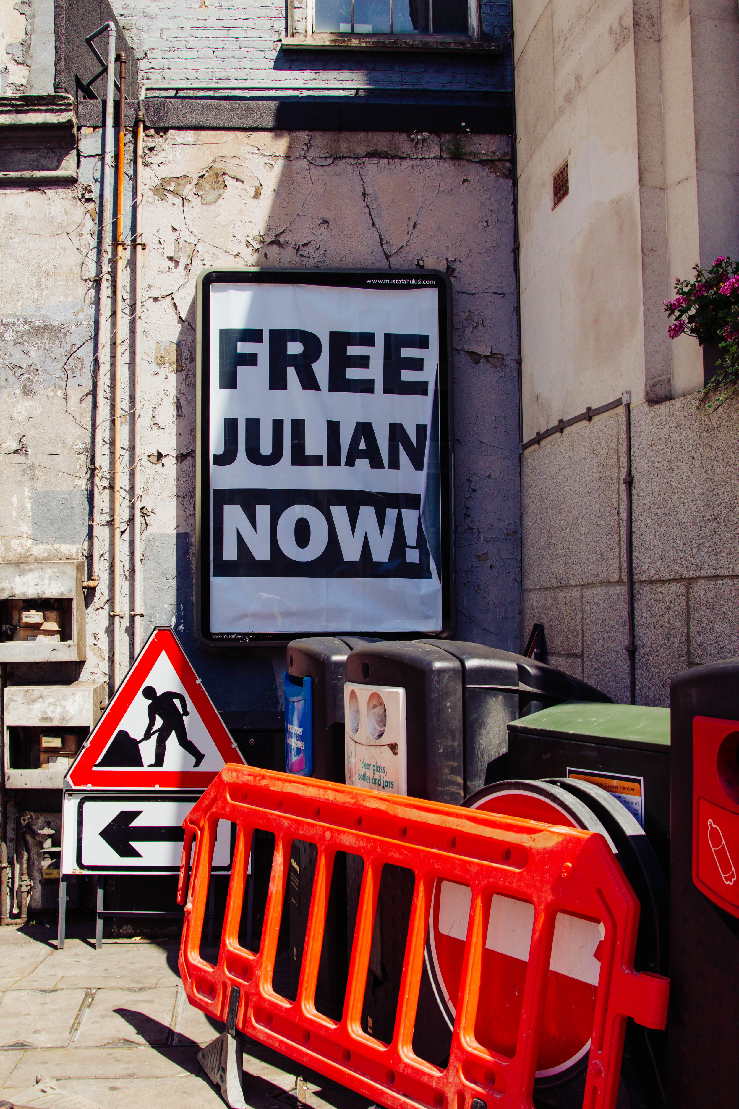 shoreditch free julian poster