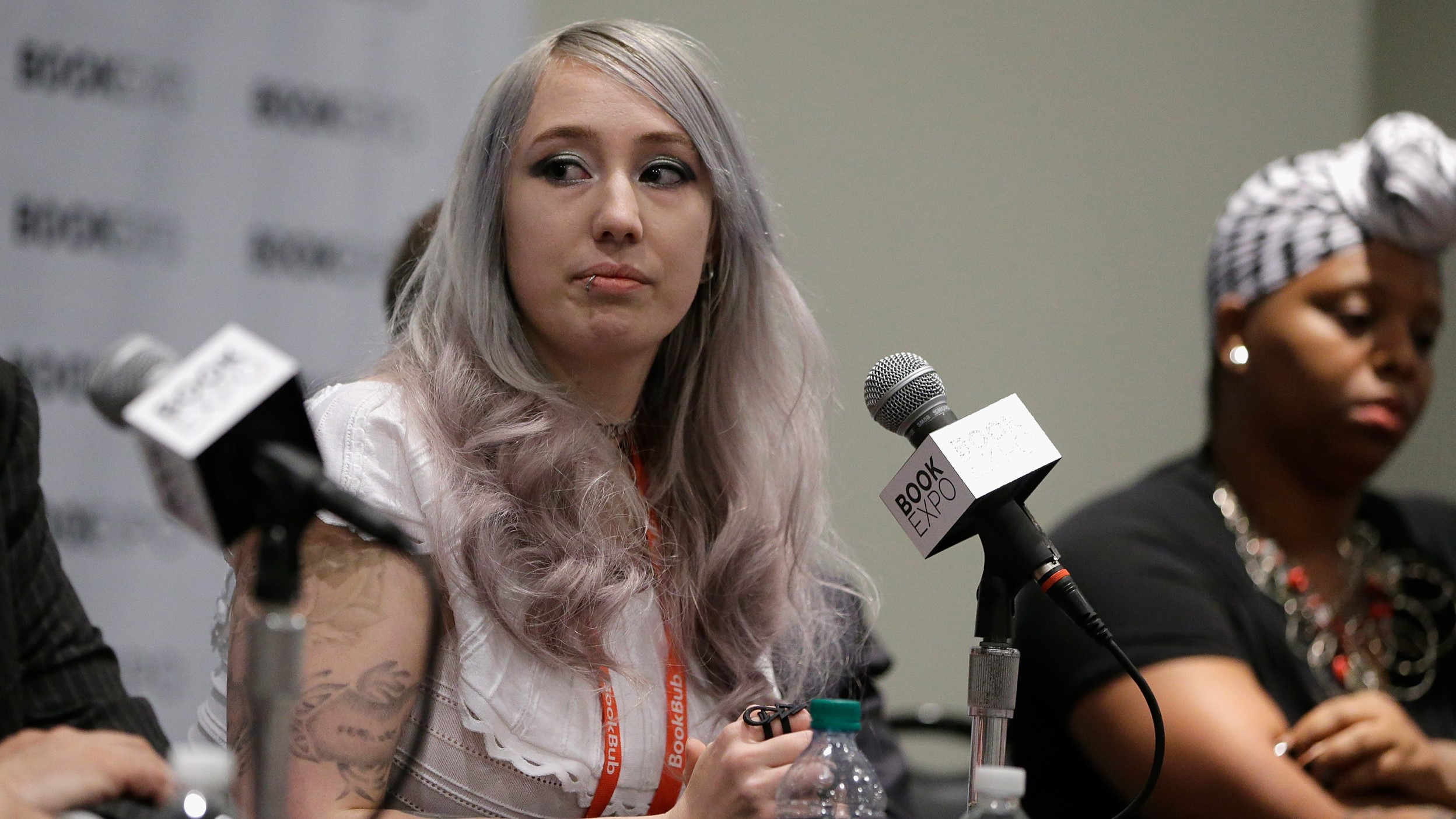 zoe-quinn-speaks-during-first-amendmant-resistance-panel-during-bookexpo-2017-javits-center.jpg