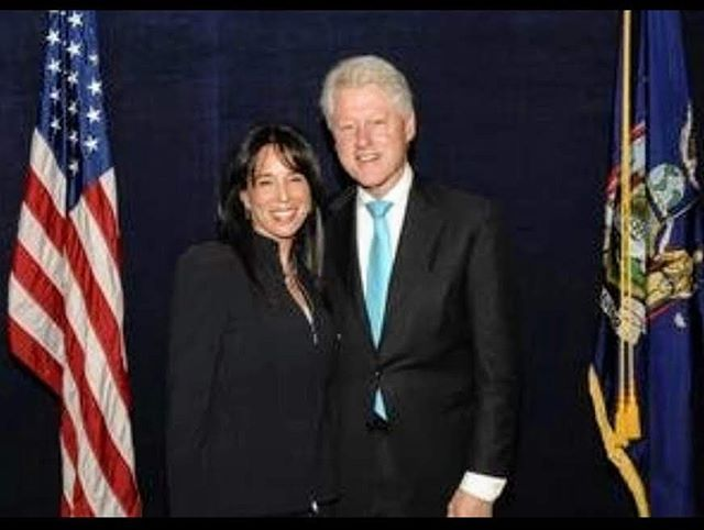 What an honor! Charo Ezdrin with the 42nd President of the United States Bill Clinton!! #BetterCallCharo #ezdrinwoods #billclinton #42ndpresident #president #nassaucounty #suffolkcounty #longisland #ny #newyork #law #newyorklike #lawyer #attorney #criminallaw #criminaldefense #familylaw #divorce #girlboss #likes #likesforlike #photooftheday #picoftheday #like4like #followme #likeforfollow #photooftheweek #attorneyadvertising