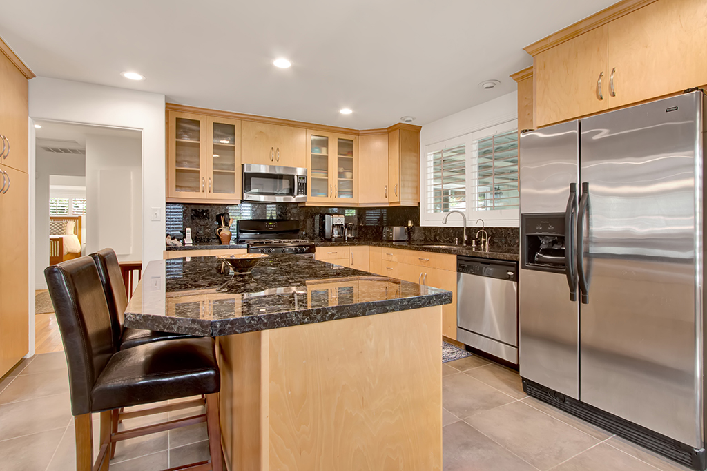 0709-4944LedgeAve-NorthHollywood,CA -014- Small.jpg