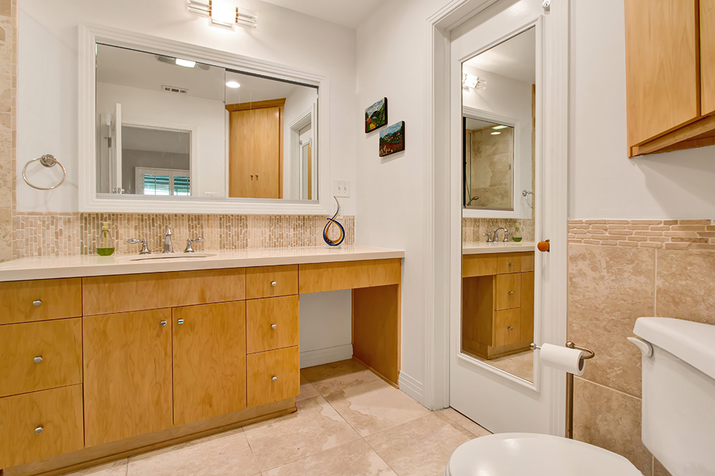 0709-4944LedgeAve-NorthHollywood,CA -029- Small.jpg