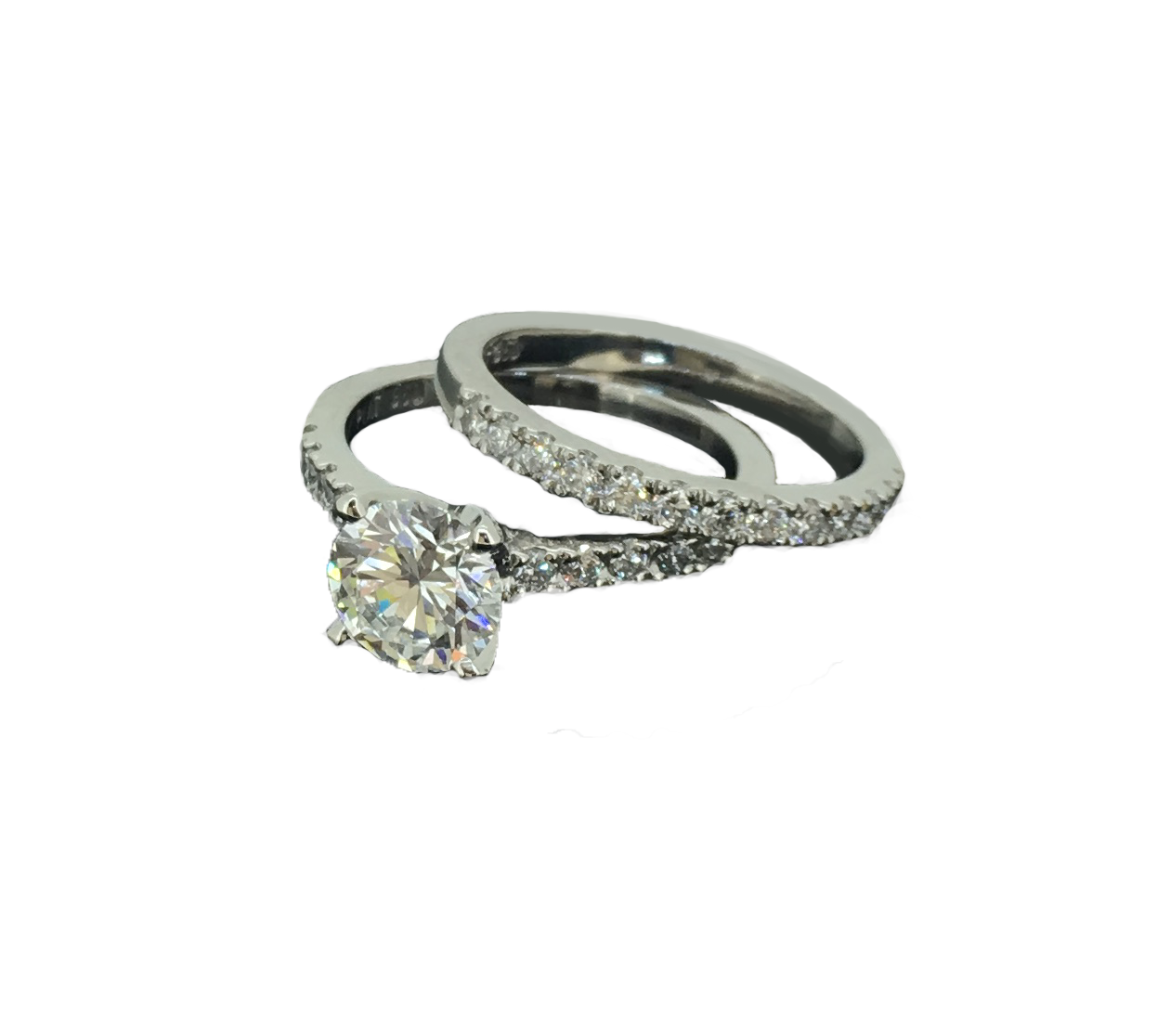 Diamond Solitaire and matching Wedding Ring in Platinum