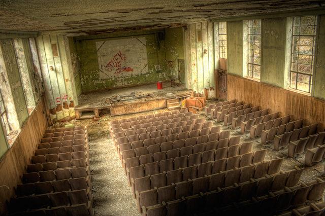 Bennet-school-for-girls-theater.jpg