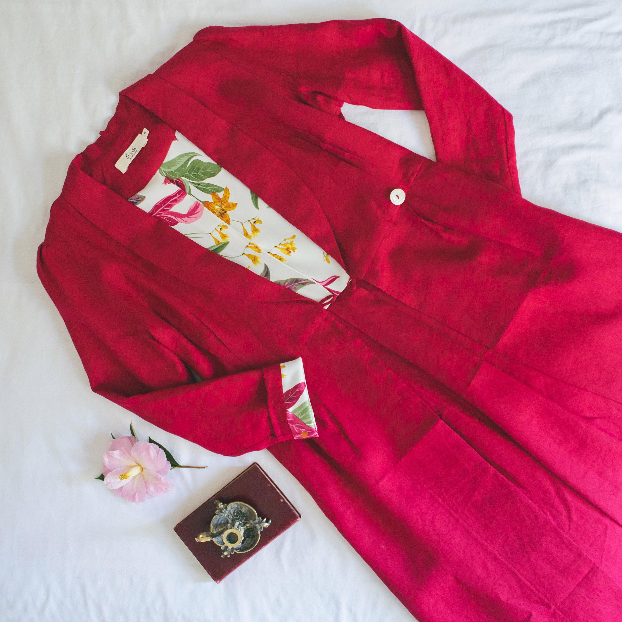Rouge Dans Une Chambre audrey rouge & fleur — la robe de chambre