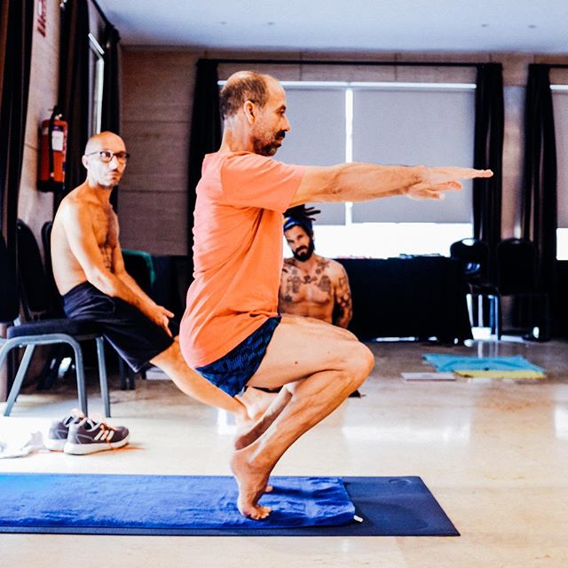 #ASRtony Part 2 - We first heard about Tony Sanchez while reading the book Hellbent by @benjaminlorr—which is a fascinating story about competitive yoga and the Bikram yoga scene. In the book, Tony stood out as a truly genuine and compassionate teacher and we knew we would love to train with him. ⠀ ⠀ #asanaseekers #hellbent #yogatraining #yogateachertraining #yogamalaga #yogaadventure #Malaga #spain #ghoshyoga #tonysanchezyoga