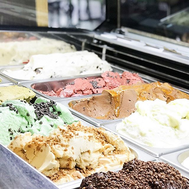 Our Gelato fridge at @therailwayinnportslade is stocked up and ready for this sunny weather. Come down and grab a scoop... or three 😋 •. • • • #brightonandhove ##sussex #eastsussex #brightonlife #thisisbrighton #brighton #brightonpub #hoveactually #icecream #hovegelato #gelato #railwayinn #food #foodies #instafood