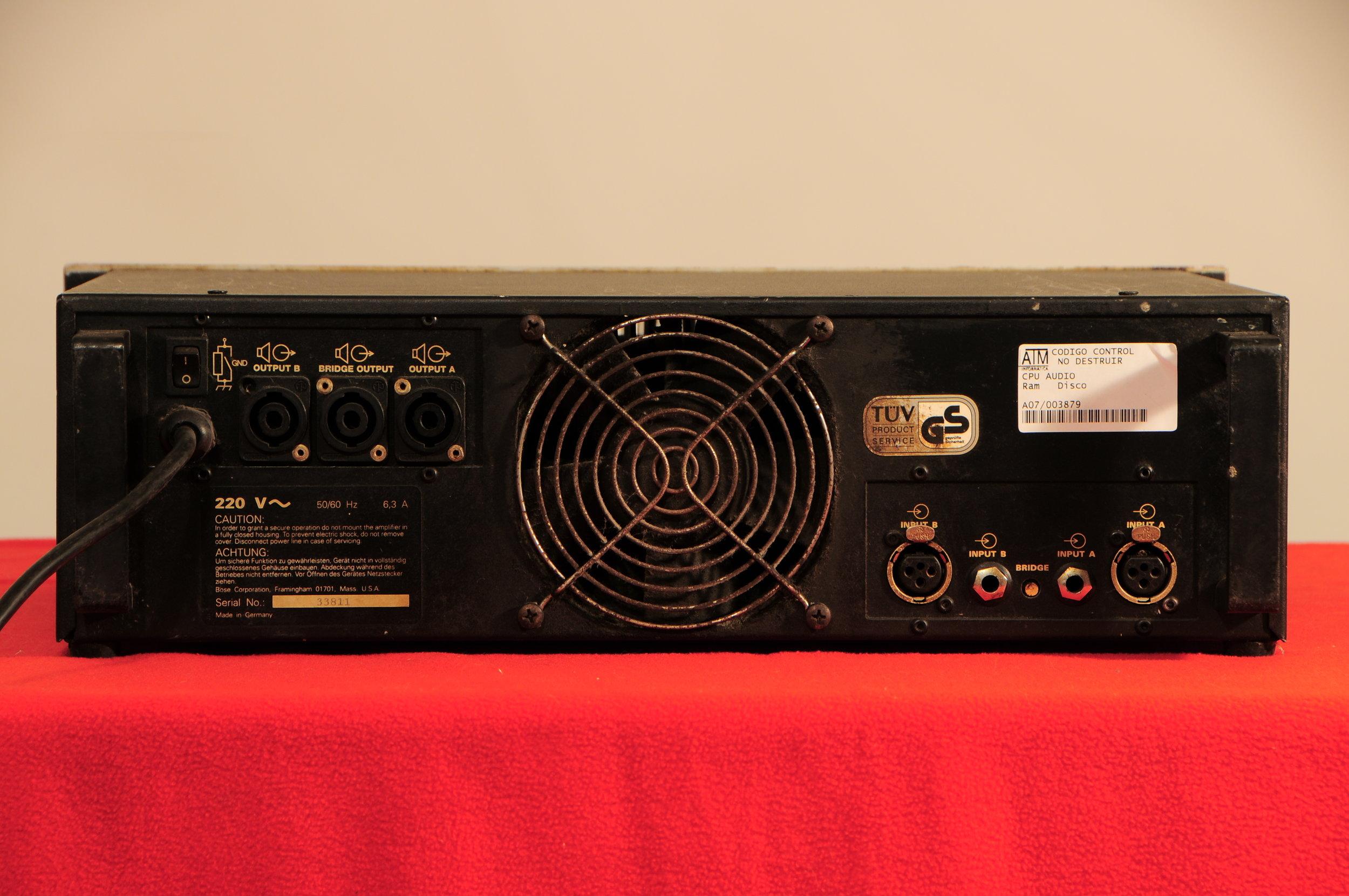 Bose 1800:IV rear.JPG