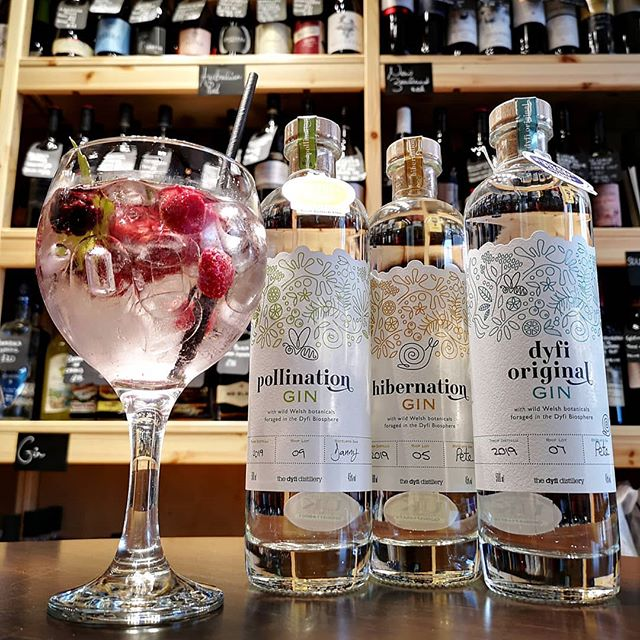 Look what arrived today! These premium artisian gins are crafted with Welsh botanicals and are forged in the Dify Biosphere. The Dyfi Distillery is recognised by UNESCO as a World Biosphere Reserve, and it provides a real unique flora spectrum to draw upon, as well as meticulous selection of the classic gin botanicals. All of these lovely gins (produced using the highest standard London Dry method) are available to drink in as well as to take home with you. Both Pollination and Hibernation are a limited edition, so come and enjoy a glass of this fine G&T with us 🍸#gin #ginandtonic #g&t #pollinationgin #hibernationgin #dyfi #dyfidistillery #isleofman #iom #wine #summer #limitededition #winedown #relax #wine #food #tapas