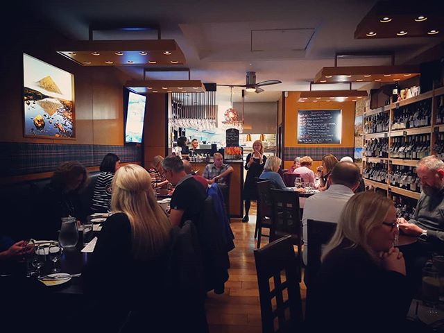We had a lovely evening last Monday at our Rioja Masterclass! After such success we decided to do it again tomorrow with a representative of Ondarre, Hugonell and Quasar (three of our favourite Rioja producers). This is an amazing opportunity to learn a little more about these fascinating wines and have some great food! Tasting by François will start at 6.30pm, followed by a 5 course dinner including accompanying wines for only £55pp. We have limited spaces available due to a couple of last minute cancellations, so ring us on 624777 to book your table. We're really looking forward to it and so should you! 🍷#drinkrioja #rioja #riojamonth #redwine #whitewine #whiterioja #hugonell #quasar #ondarre #winebar #restaurant #wineshop #winedown #foodandwine #tastingmenu #winetasting