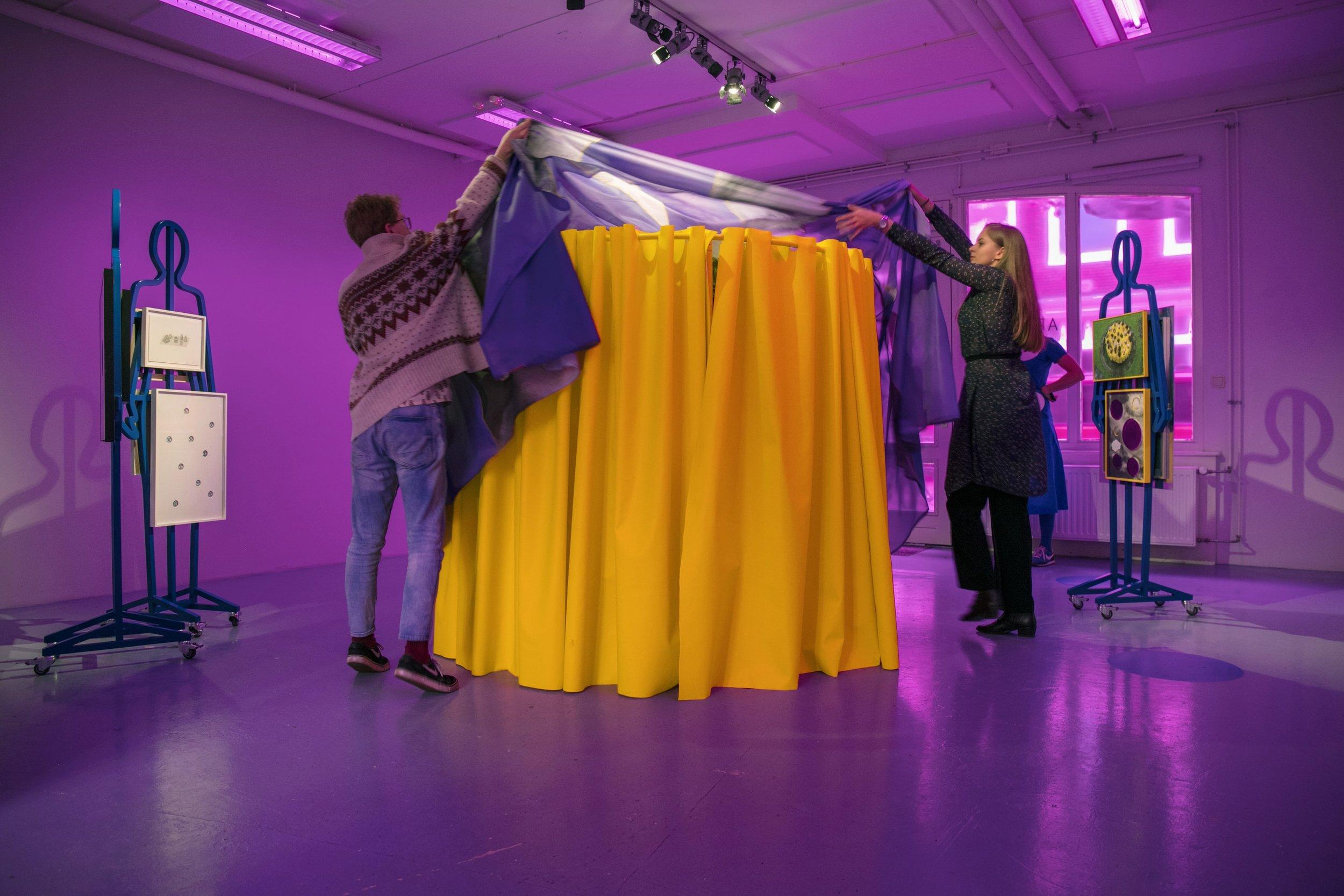 Cindy Moorman, the Object, Dapiran Art Project Space_performance 02-min.jpg