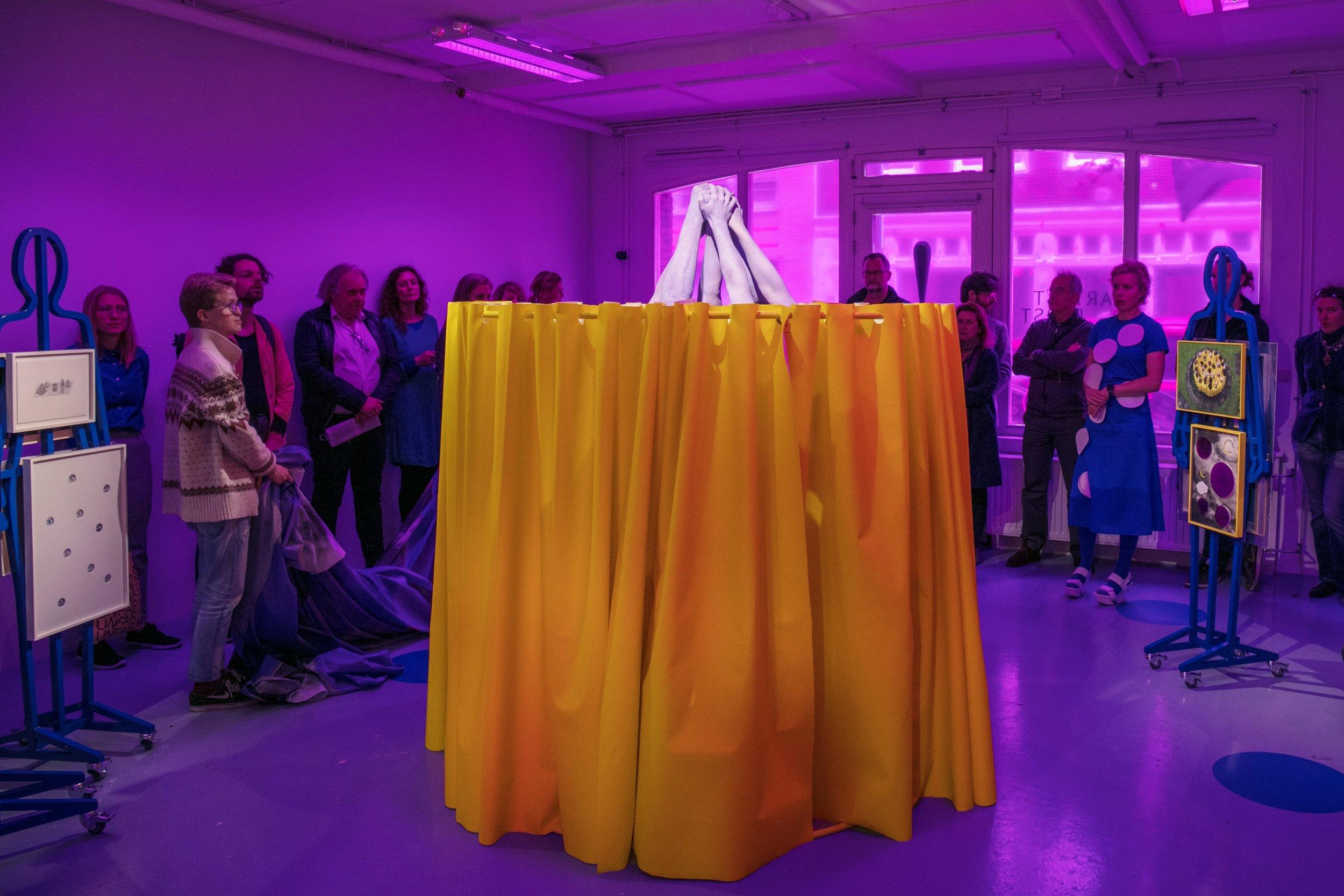 Cindy Moorman, the Object, Dapiran Art Project Space_performance 03-min.jpg