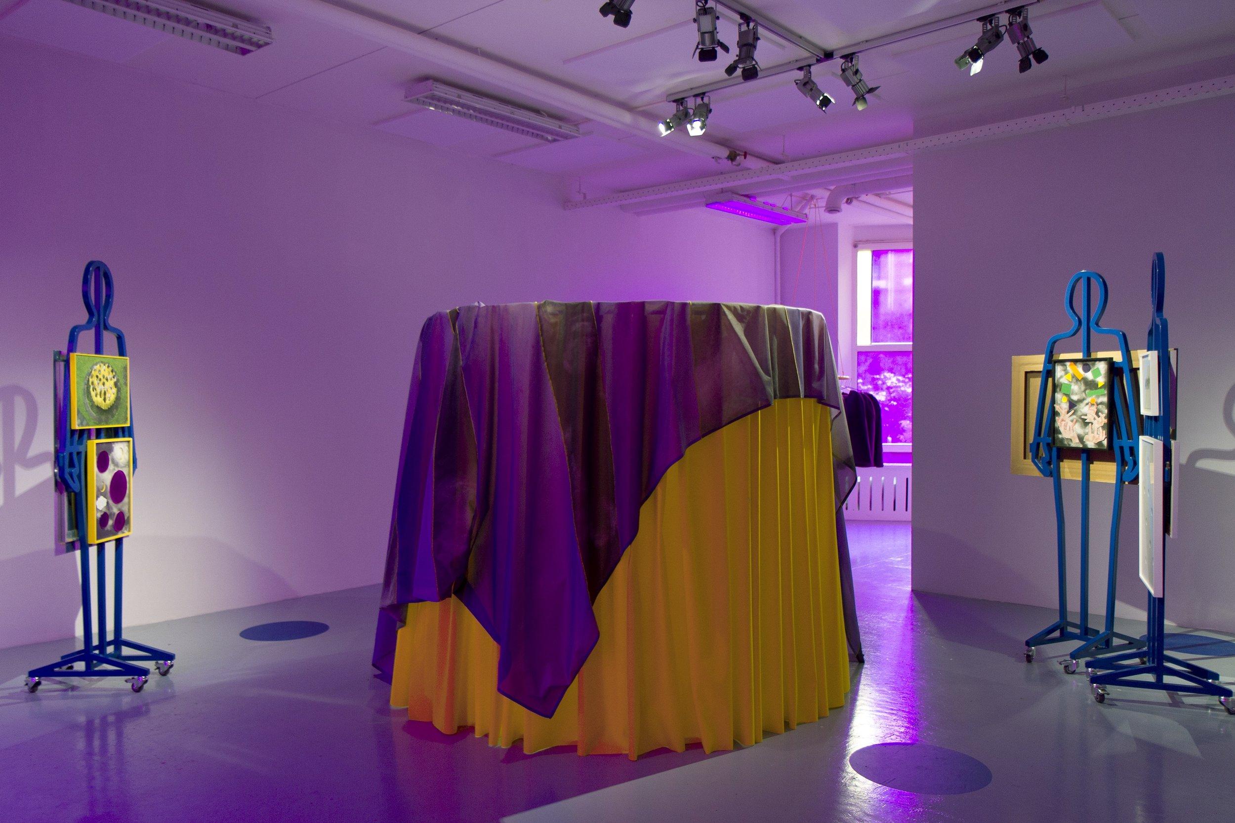 Cindy Moorman, the Object, Dapiran Art Project Space_installatie 01-min.jpg