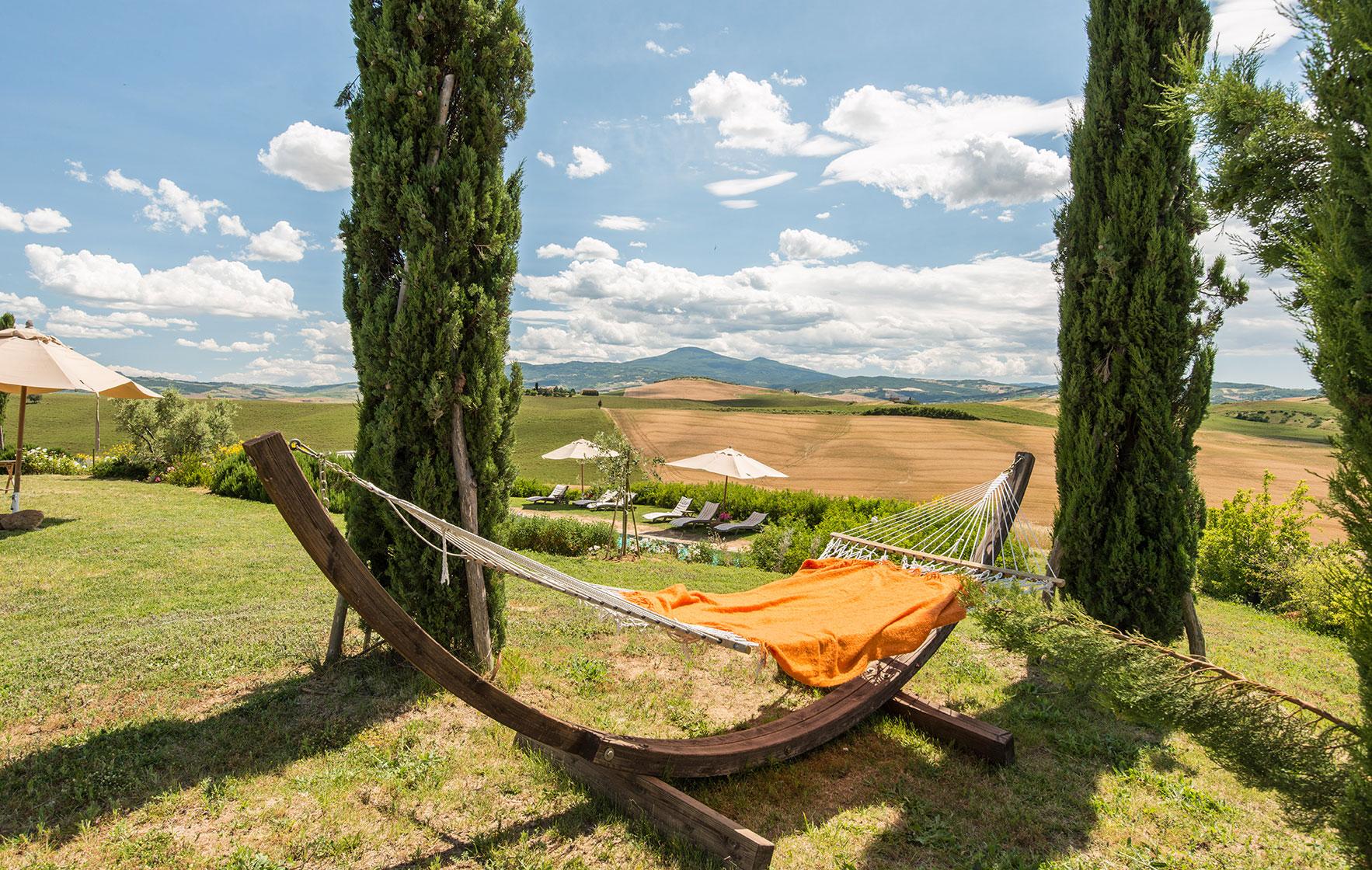 villa-romantica-yoga-retreat-Tuscany-Experience-retreats.jpg