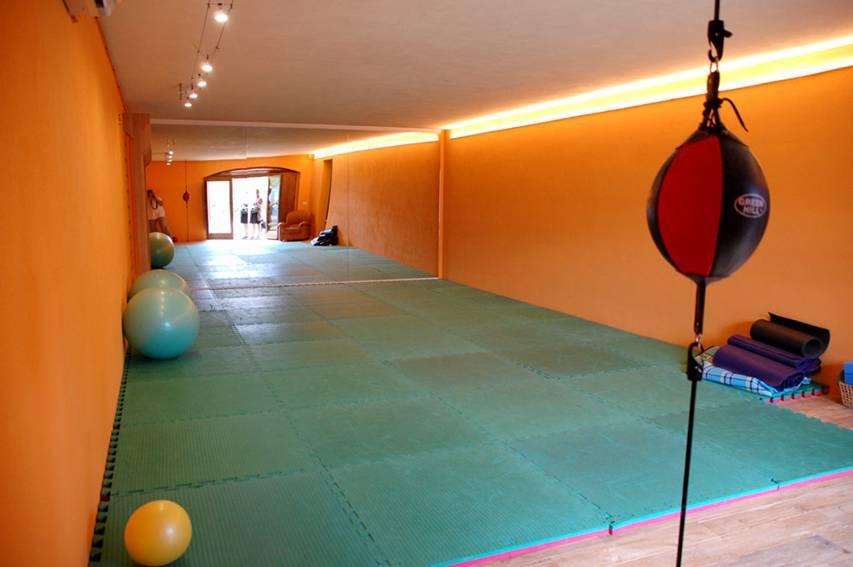 villa-romantica-yoga-shala-retreat-Tuscany-Experience-retreats.jpg