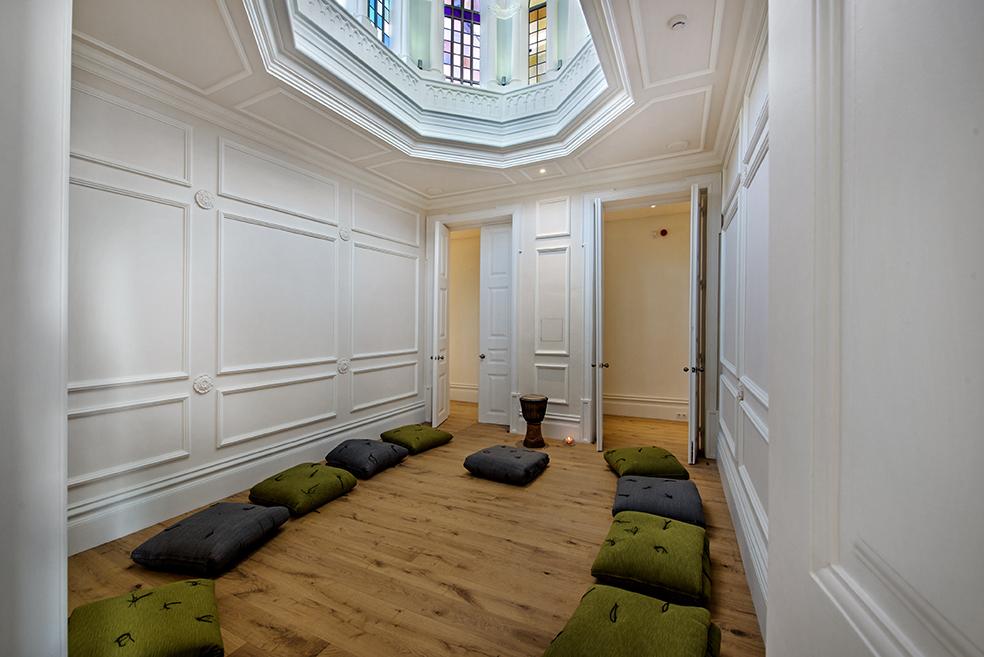 Meditation_room_YOGA_WELLNESS_RETREAT_olhao_portugal_EXPERIENCE-RETREATS.jpg