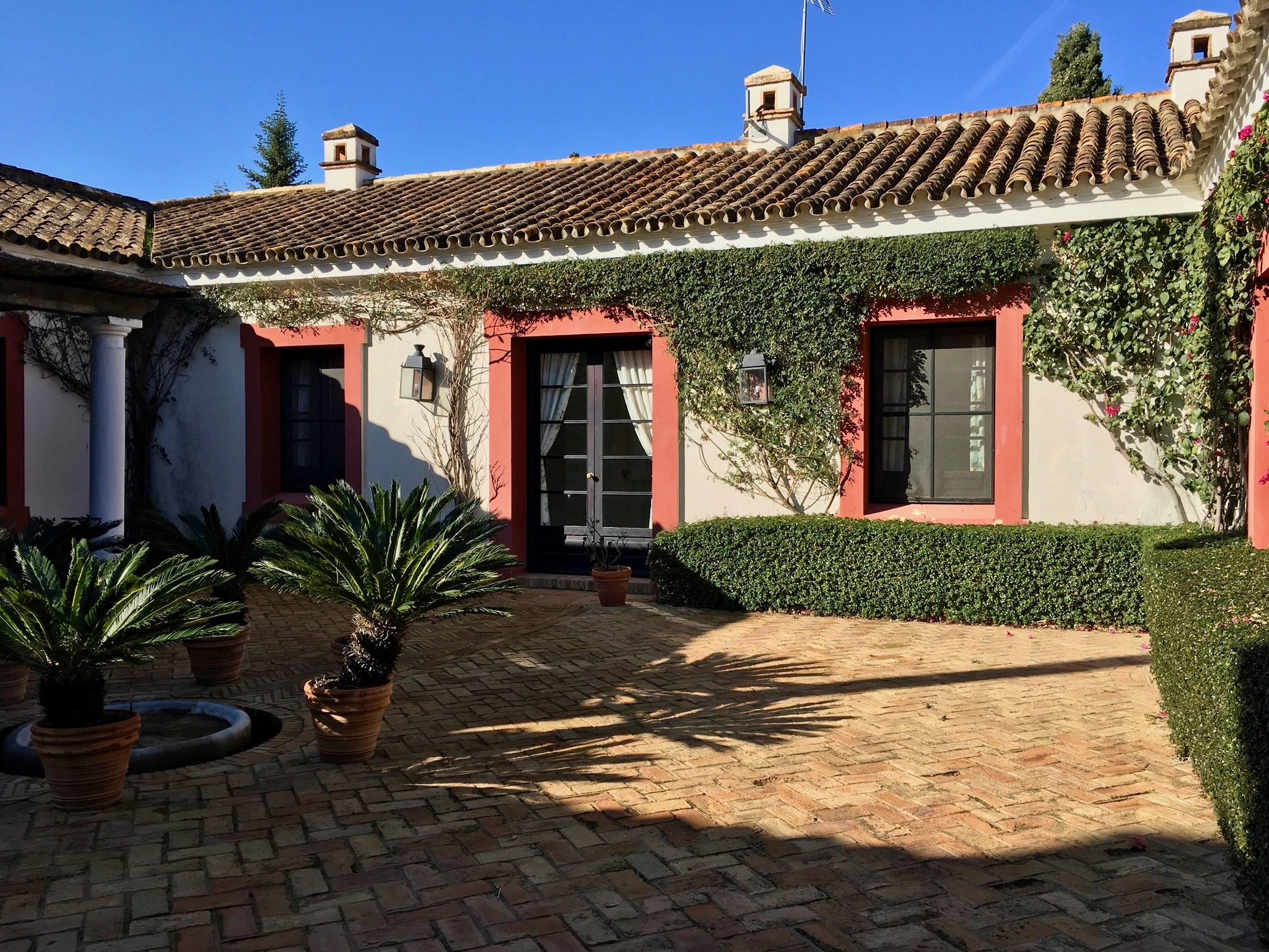 Experience-retreats-Yoga-retreat-fitness-retreats-Andalucia-Courtyard3.jpg