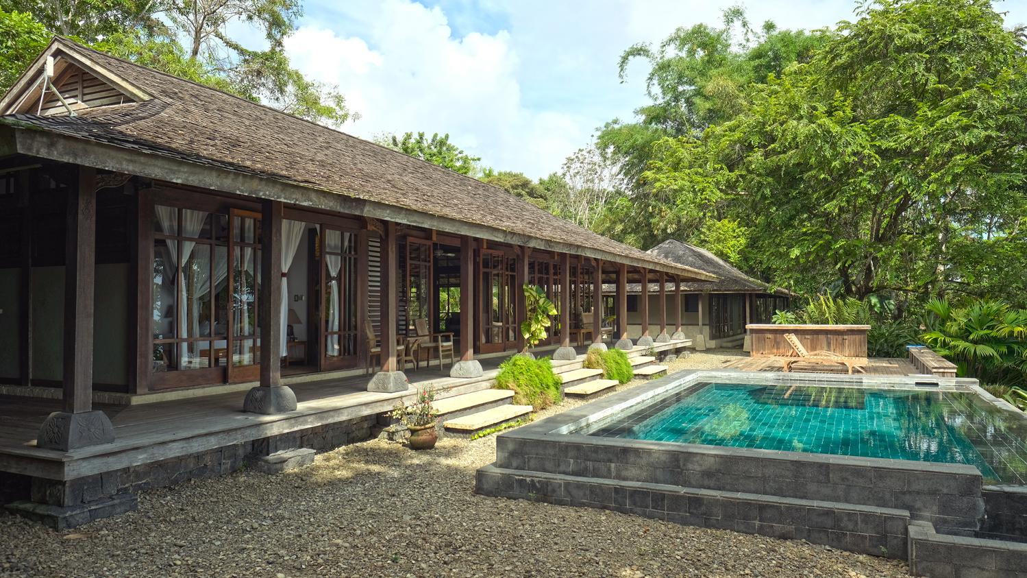 costa-rica-yoga-retreat-venue-experience-retreats_bali_house_pool.jpg