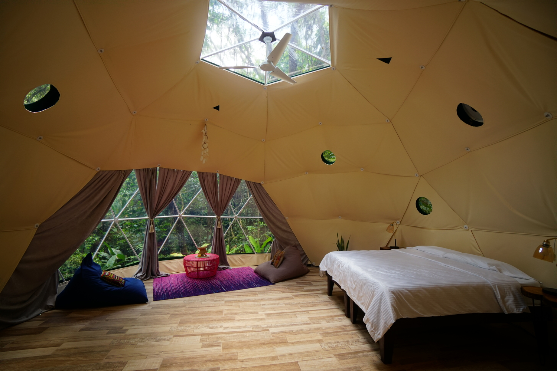 costa-rica-yoga-retreat-venue-experience-Geodesic-dome-bedroom.jpg