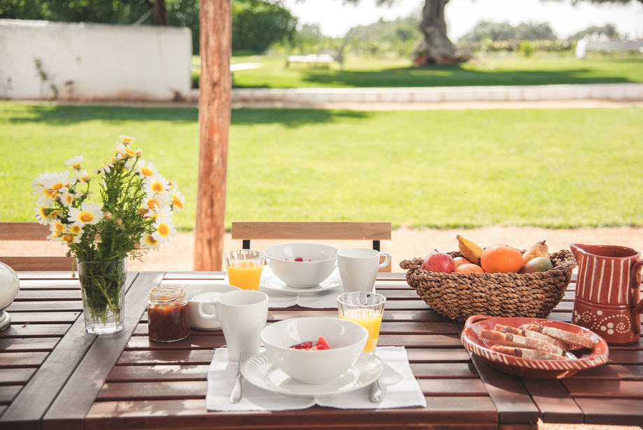 RETREAT_BREAKFAST_ALGARVE_Yoga_retreat_venue_Experience-retreats.jpg