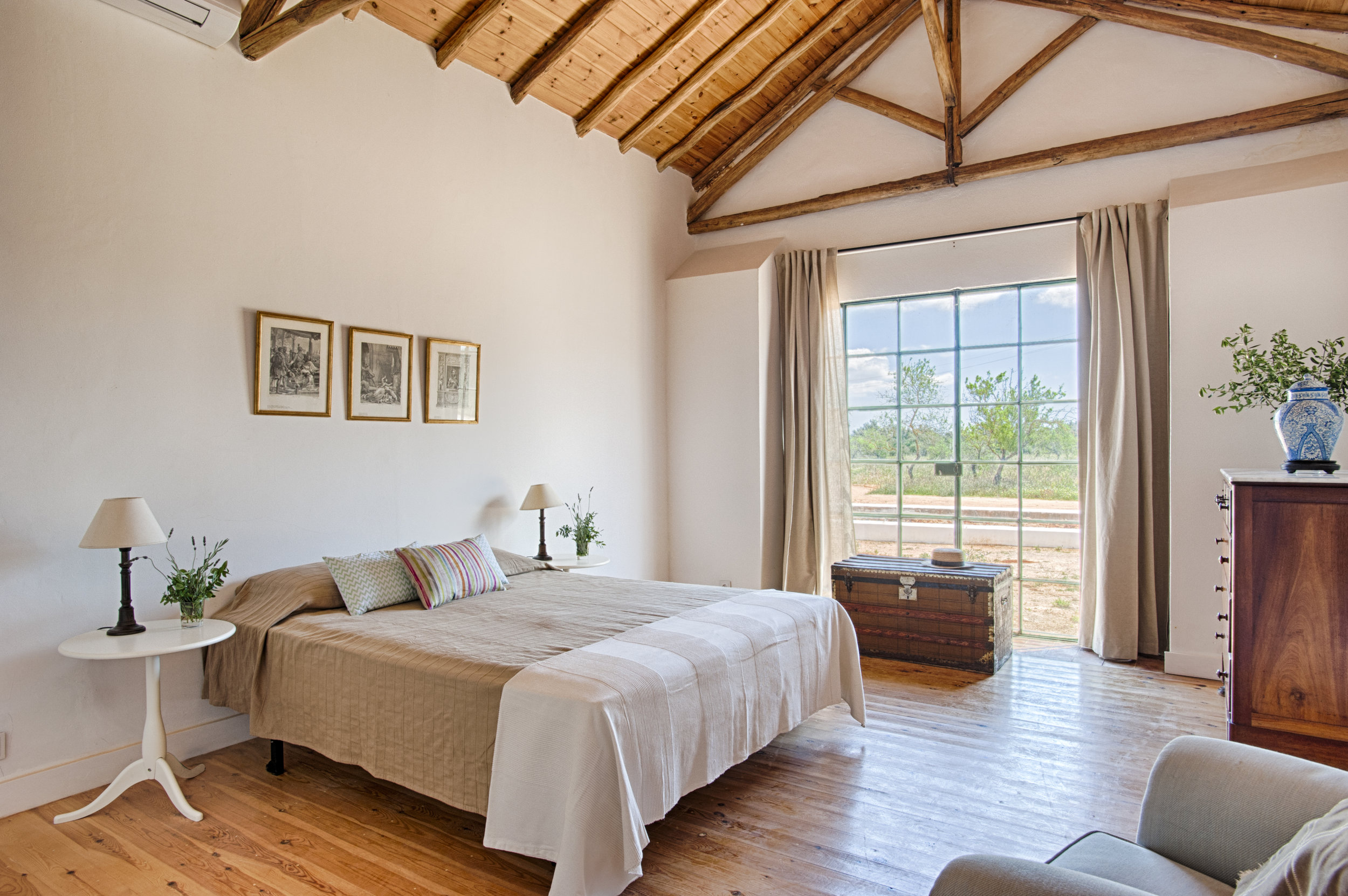 Bedroom_1_ALGARVE_Yoga_retreat_venue_Experience-retreats.JPG