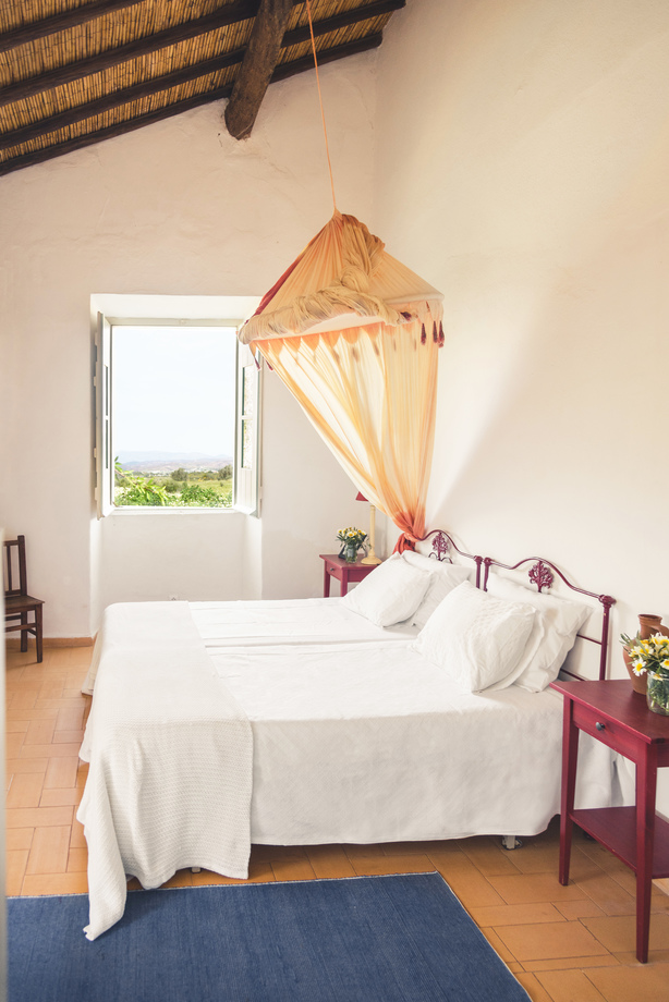 RETREAT_BEDROOM_4_ALGARVE_Yoga_retreat_venue_Experience-retreats.jpg