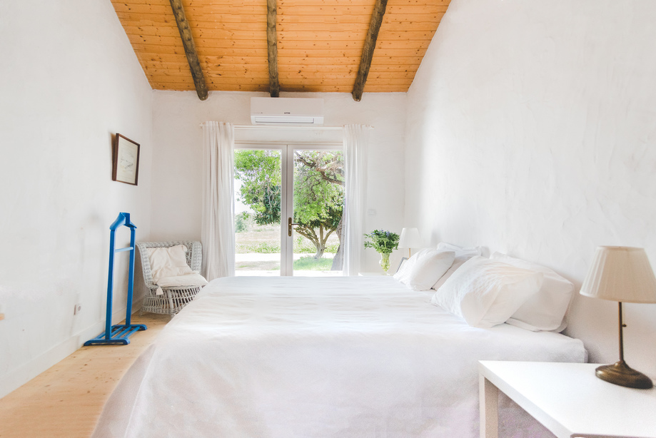 BRIGHT_ROOM_ALGARVE_Yoga_retreat_venue_Experience-retreats.jpg