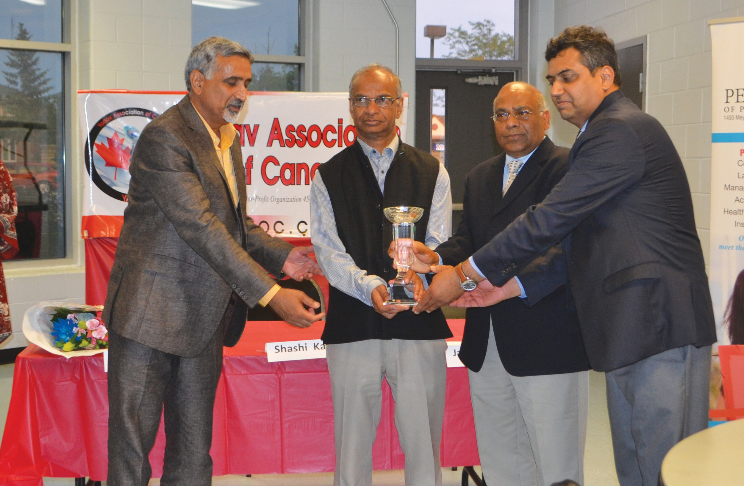 DATELINE DESI Yadav Association felicitates Professor Shashi KantAug2018.jpg.jpg