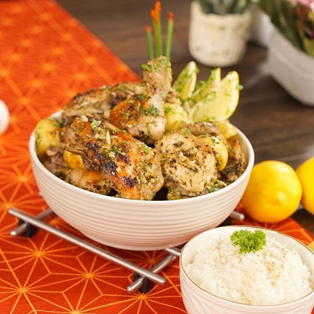【Lemon chicken with rice】 ・ Excite your taste buds with this juicy Greek Lemon Chicken. *********************** 【Ingredients (4 servings)】 ・ Chicken 1kg Potato 300g Garlic 30g Olive Oil 120g Dried Oregano 10g Dried Basil 10g Dried Thyme 10g AJI-NO-MOTO® 3 tsp Salt 2 tsp Lemon 5 piece Fresh Coriander 10g Aluminum Foil Cooked Fragrant Rice *********************** ・ 【Directions】 1. Cut potatoes into halves. 2. Extract lemon juice. 3. Mince garlic with salt. 4. Combine lemon zest, garlic, dried oregano, dried basil, dried thyme and salt. 5. Season with AJI-NO-MOTO®. 6. Add lemon juice, olive oil & mix well. 7. Cover chicken with the marinate. 8. Place potatoes, marinated chicken and marinate liquid on a baking tray. 9. Cover with aluminum foil. 10. Set aside for 20minutes. 11. Roast 200°C for 30 minutes. 12. Remove aluminum foil & roast for another 15 minutes. 13. Topped with fresh coriander. 14. Serve with fragrant rice. #umamirecipes #umami #recipes #foodrecipes #cook #foodcooking #foodies #foodstagram #foodporn #ajinomoto #food52grams #cookingram #MSG #garlic #chicken #potatoe #basil #deliciousness #msgisumami #lemon #rice  #lemonjuice #olive #oliveoil