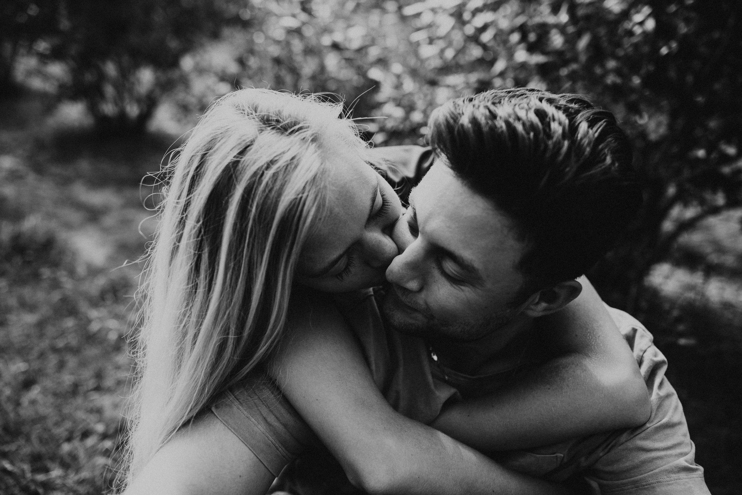 intimate photoshoot