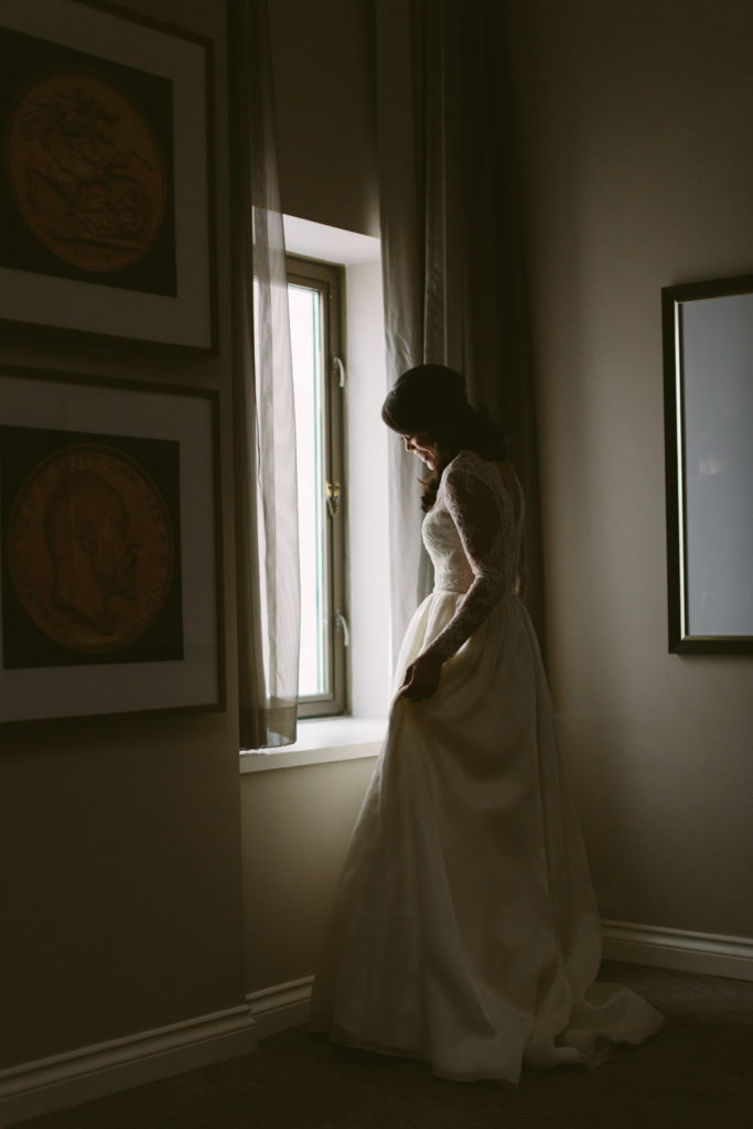 A-Melissa-Sung-Photography-Elegant-Intimate-Wedding-4-683x1024.jpg