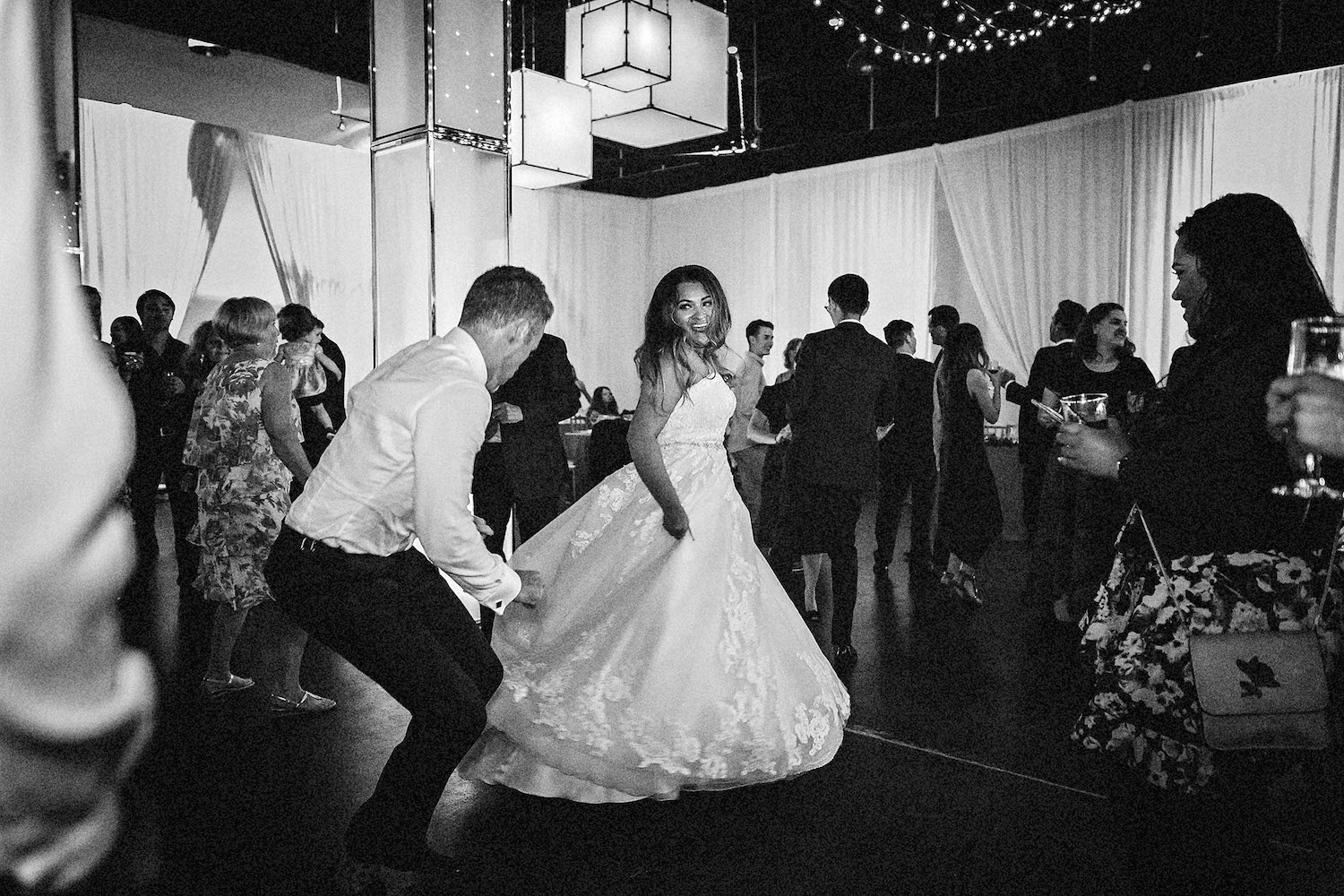690496953e34-2L2A9881_Valeria_and_Juliette_Photography_Mary_and_Alex_Wedding.jpg