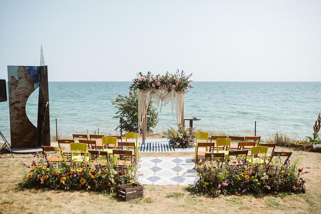 enue: Drake Devonshire Inn, Florist: Begonia Moon and Tanya List Design, Photographer: TJ Tindale, Planner: Love by Lynzie Events