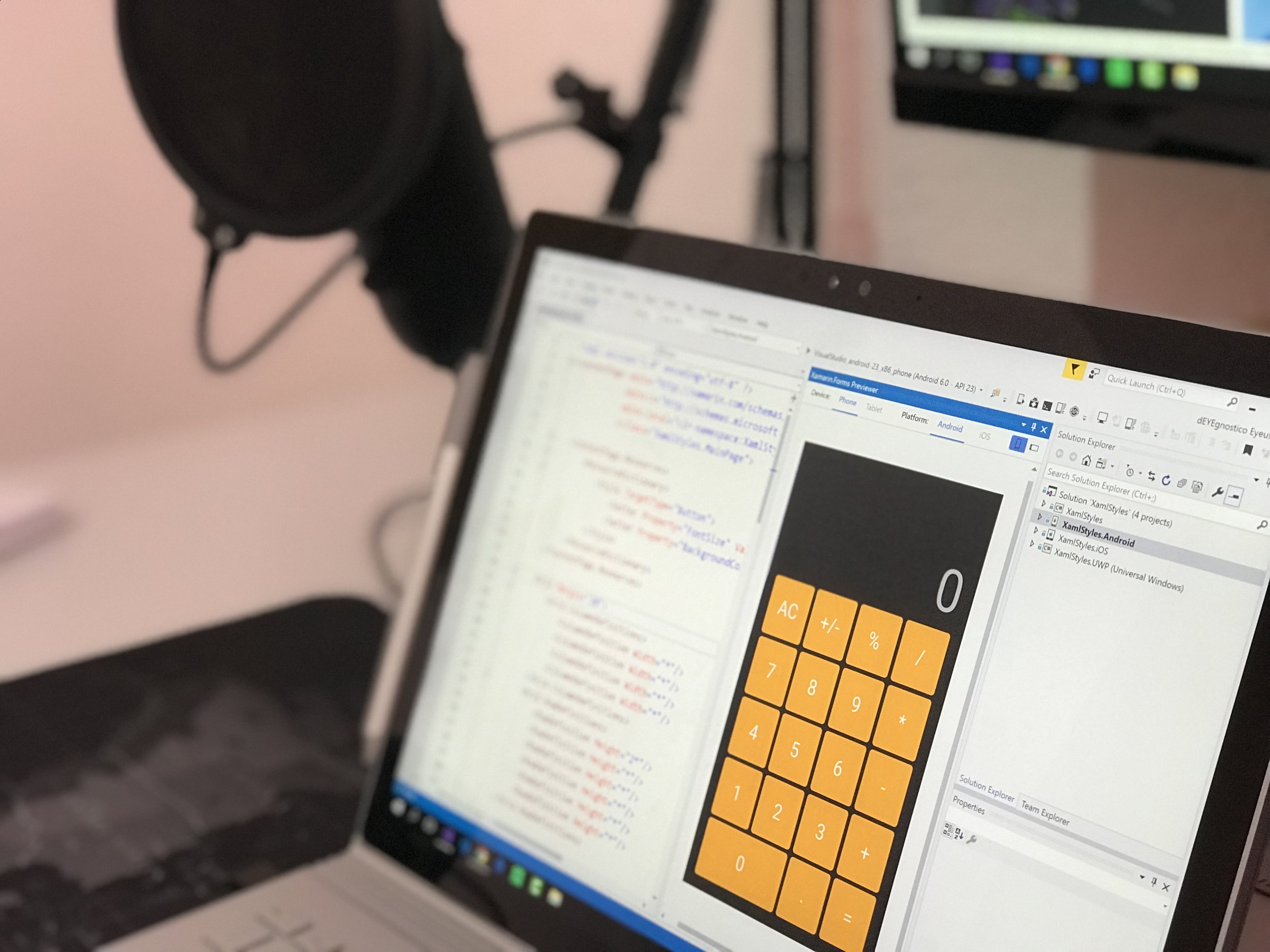 laptop-office-internet-907487.jpeg