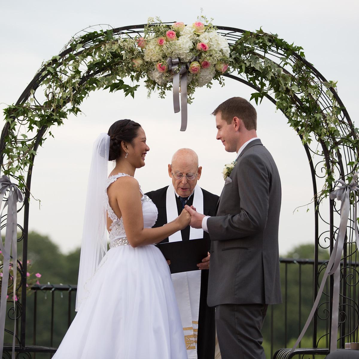 EverElla_Wedding_Travel_Arch.jpg