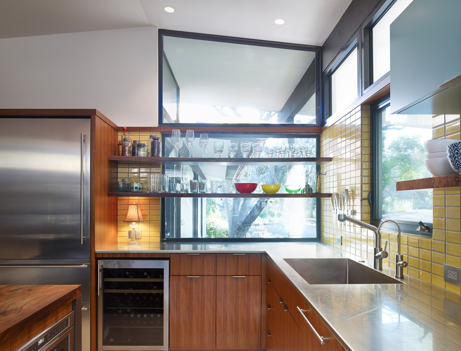 Kitchen: Whit Preston Photography