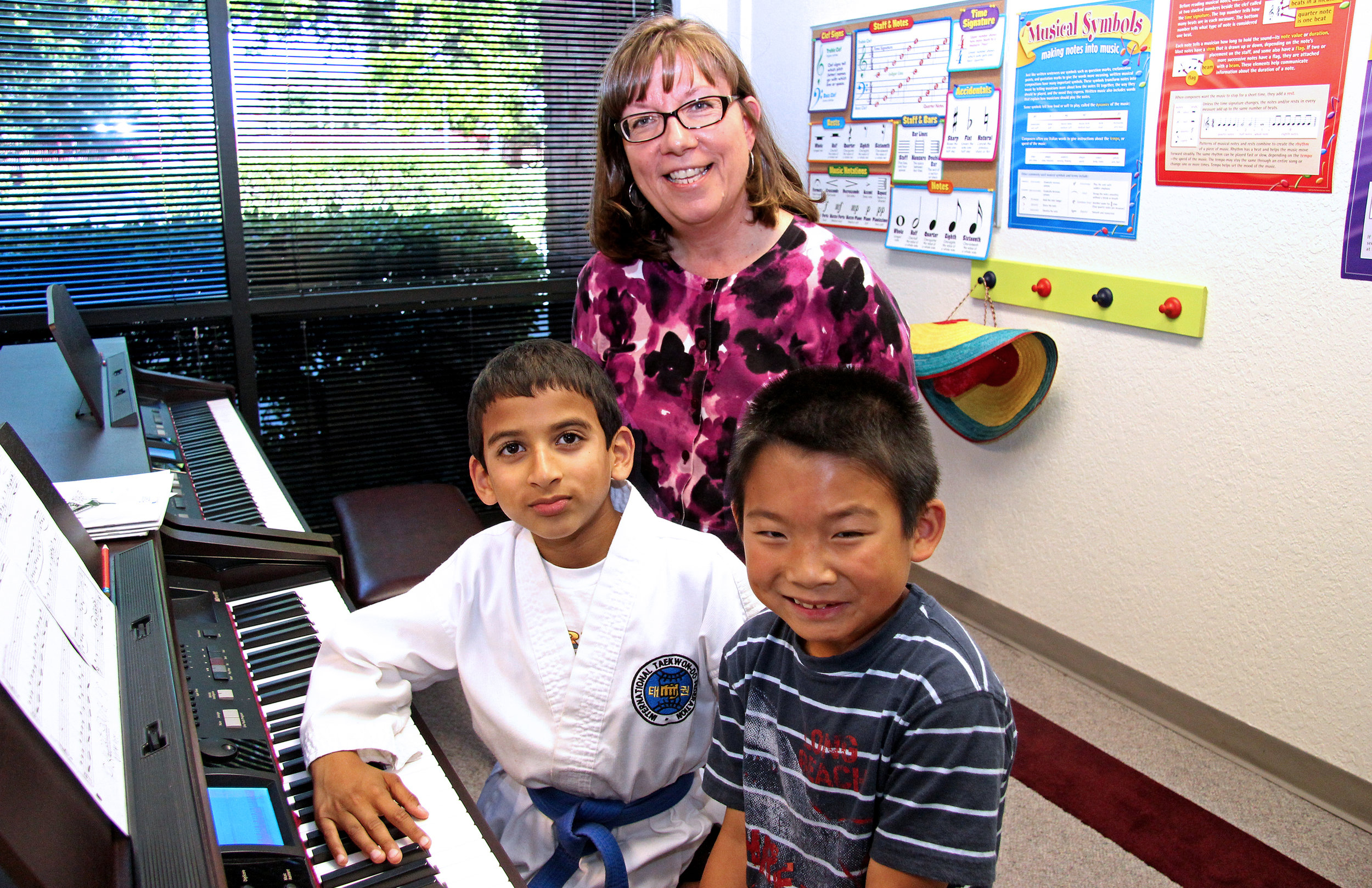 Debbie_piano_IMG_3136_group.jpg