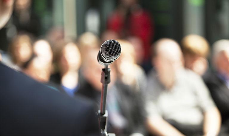 microphone_crowd.jpg