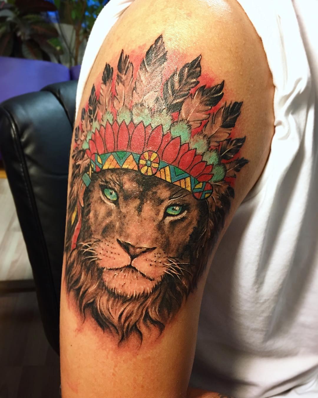 Native_Indian_chief_headdress_lion_done_on_Gabe_last_week_.jpg