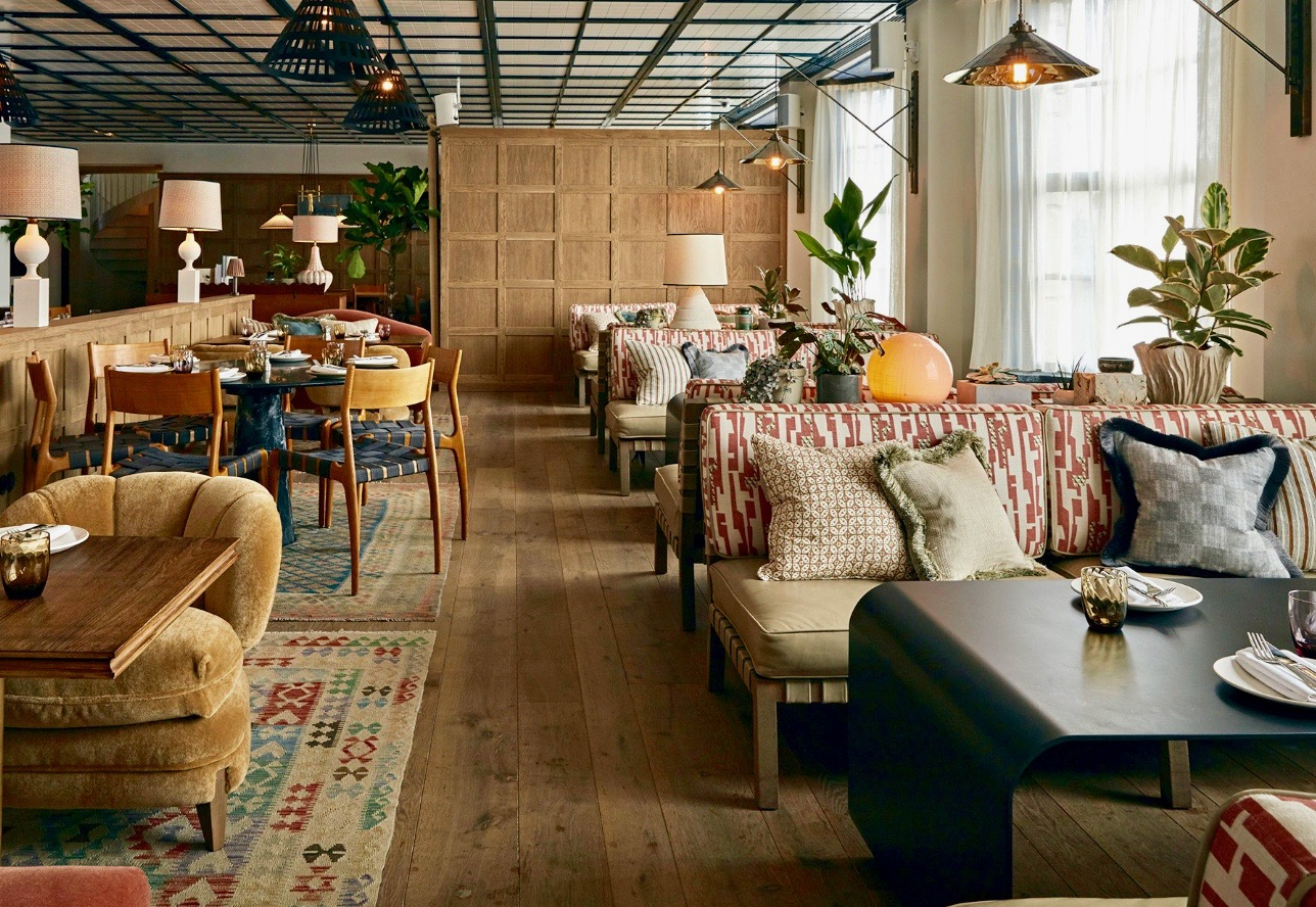 "RUSTIC PLANK IN ""MILITAIRE""  - AMSTERDAM - BINNENSTAD - SOHO HOUSE GROUP"