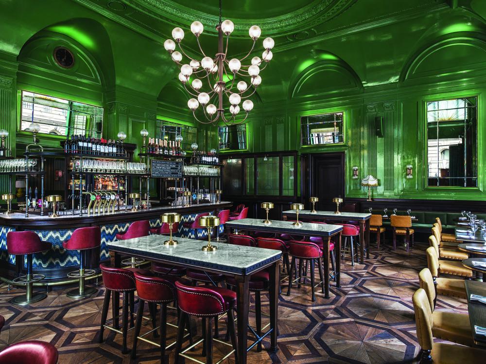 BESPOKE PARQUET  - WIGMORE PUB, THE LANGHAM HOTEL   - LONDON MARYLEBONE - MARTIN BRUDNIZKI DESIGN STUDIO