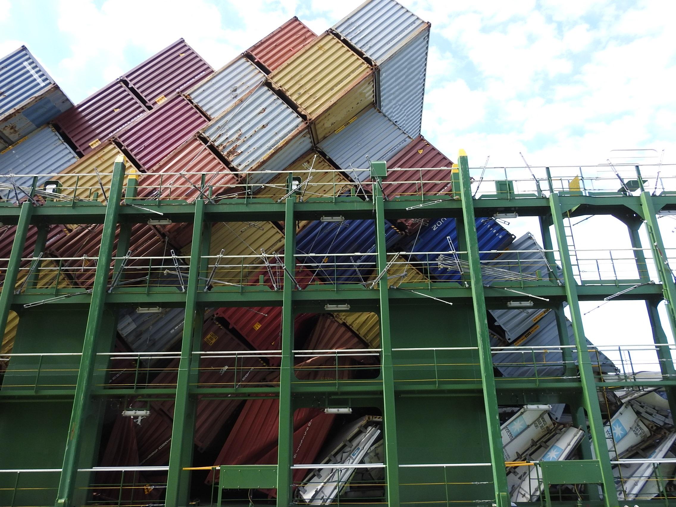 Cargo Stow Collapse