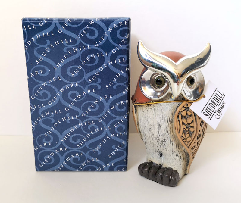 Scottish Owl Shop - More than merchandise! If you're looking for an owly gift (and haven't yet made it to our gift shop!) you can now browse and buy online at the Scottish Owl Shop, created and managed by one of our own keepers. You'll also find insider news and views of our beautiful birds.