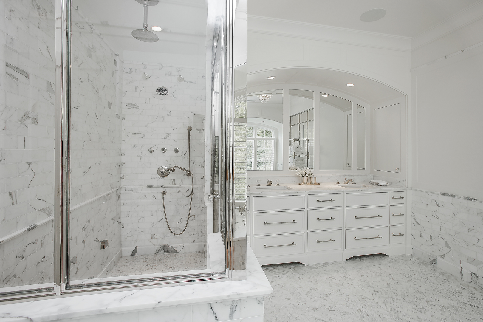 Vetrine-Almeida-Shower-Enclosure.jpg