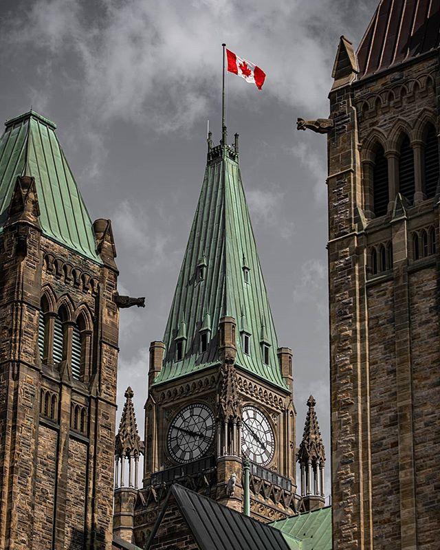 Parliament of Canada 🇨🇦 • • • • • #canada #photography #canon #ottawa #613 #canadian #ontario #photographer #agameoftones #moodygrams #yow #ottawalife #ottawaphoto #canon5d #architecturephotography #architecture #building #buildings #artofvisuals #eos #moody #explorecanada #parliament #beautiful #beauty #awesome #amazing #canon_photos