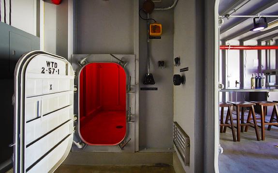 Inside a US Navy Submarine Training Unit...