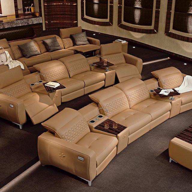 HOME CINEMA | by @sanmarco.italianfurniture   Ramenez l'émotion du cinéma à la maison et combinez-le avec le magnifique savoir-faire de San Marco pour créer un incroyable home cinéma qui conviendra à toute votre famille et vos amis!  Vous cherchez une option plus intime? Vous pouvez également choisir un siège pour 2 ou 4 personnes. ________________  HOME CINEMA | by San Marco Salotti  Bring the excitement of the cinema home, and combine it with San Marco's beautiful craftsmanship to create an amazing home cinema that will fit all your family and friends!  Looking for a cozier option? You can also choose a 2 or 4 person seater.