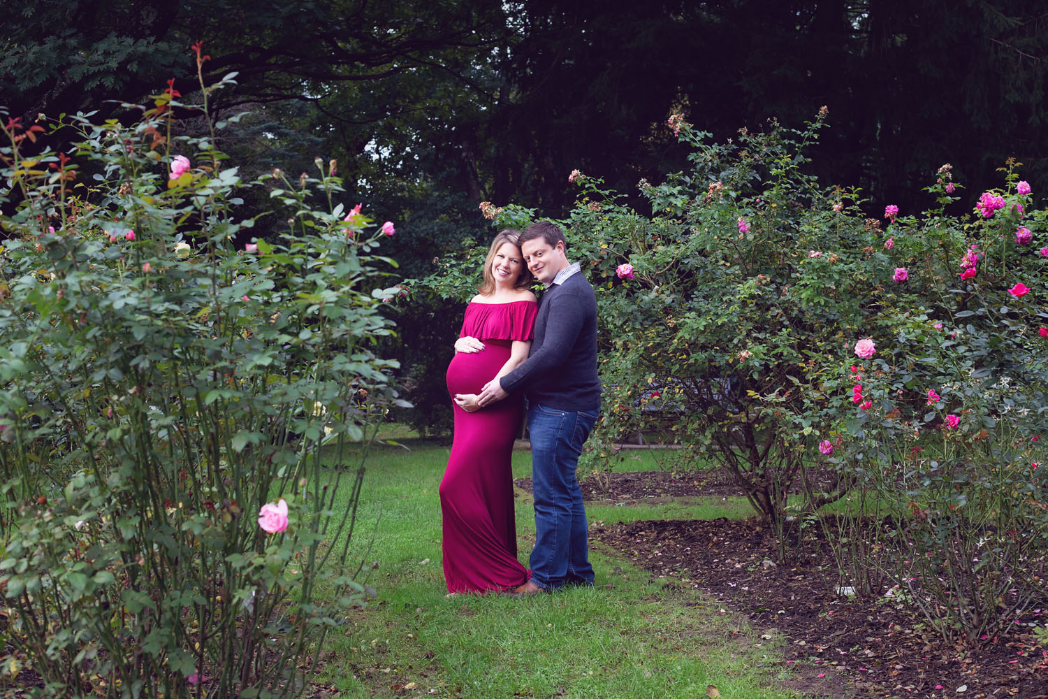 Beautiful Rose Garden Maternity Photography In Bloomfield New