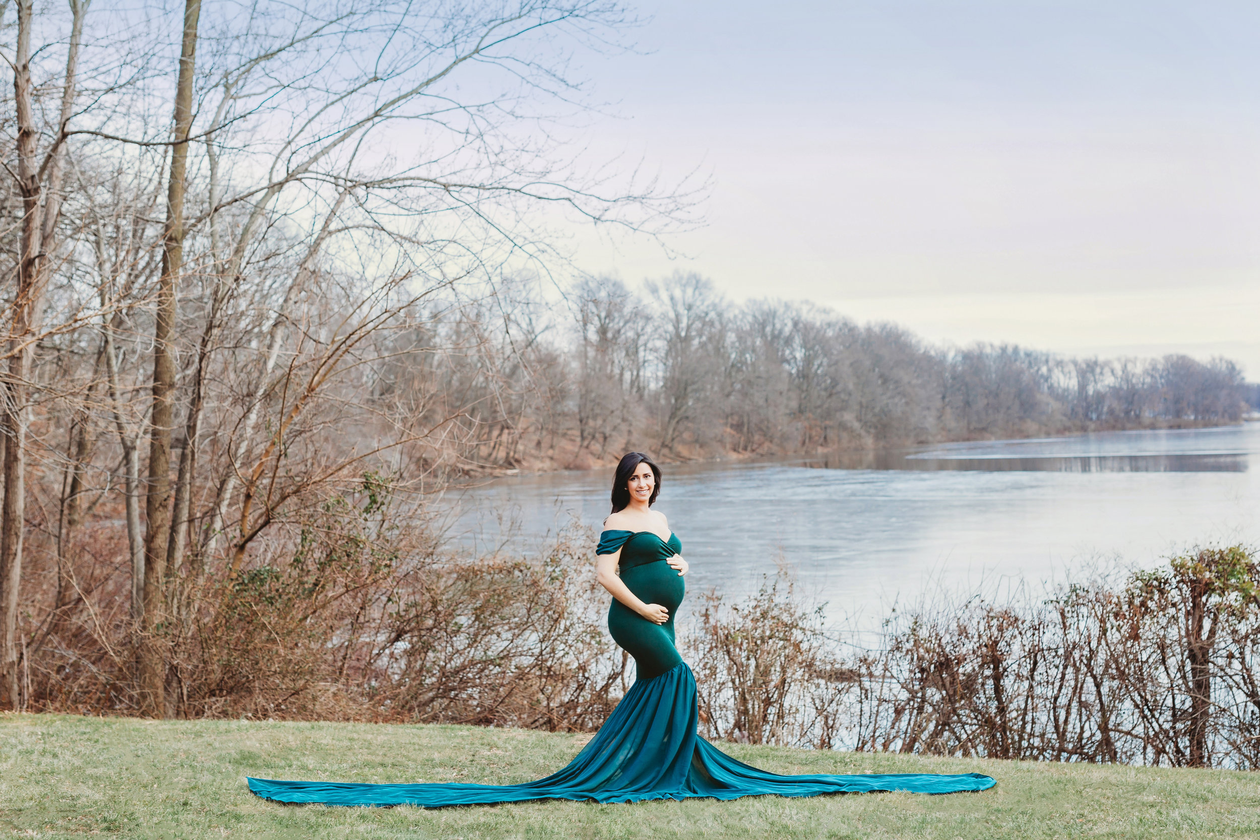 New Jersey Maternity Photography of a pregnant mom in front of a lake