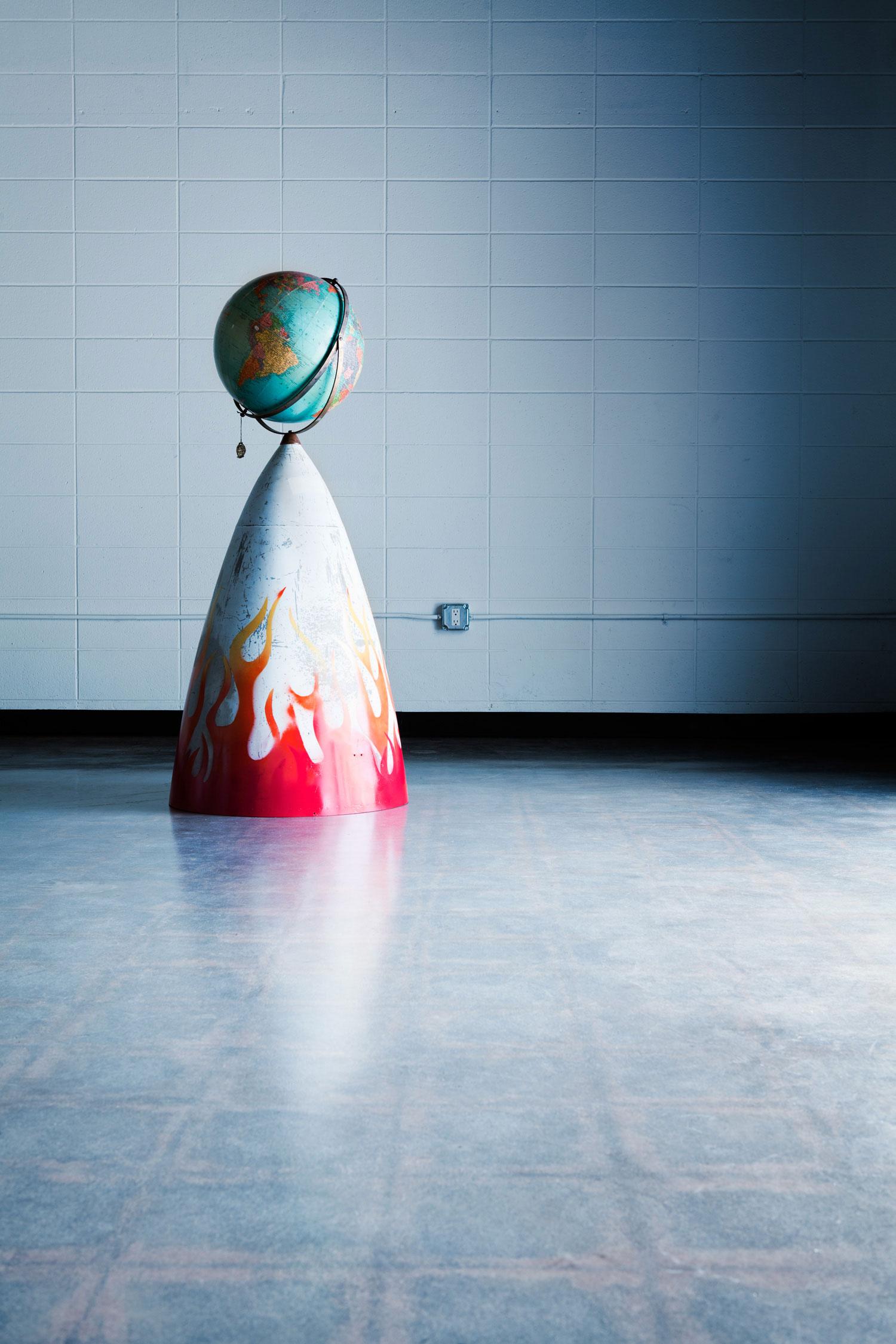 ron-miriello-grafico-san-diego-100-worlds-project-sculpture-globe-Miriello-branding-officina-04jpg