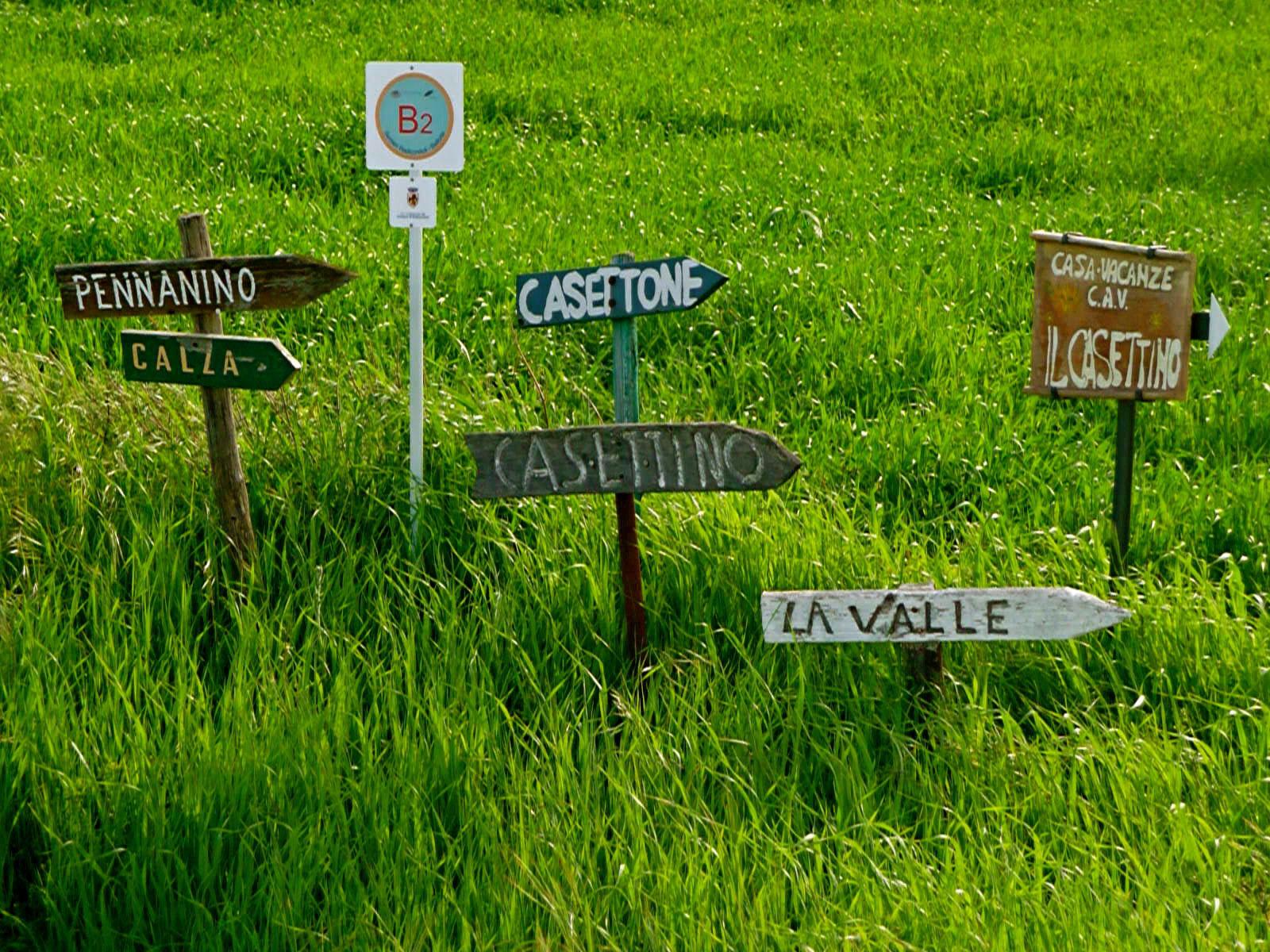 ron-miriello-grafico-Radicondoli-casa-illuminata-siena--Miriello-tuscany-italy-officina-la-pergola-08.jpg
